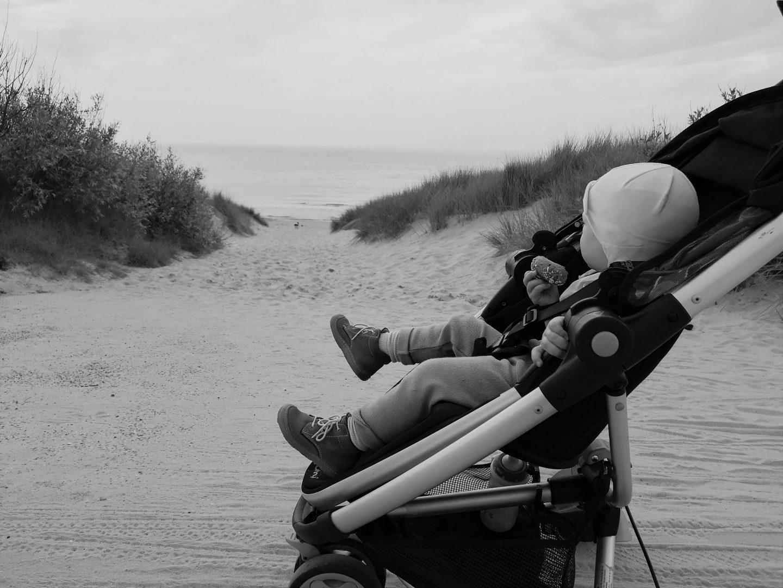 eltern-einkaufsliste-tochter-strand