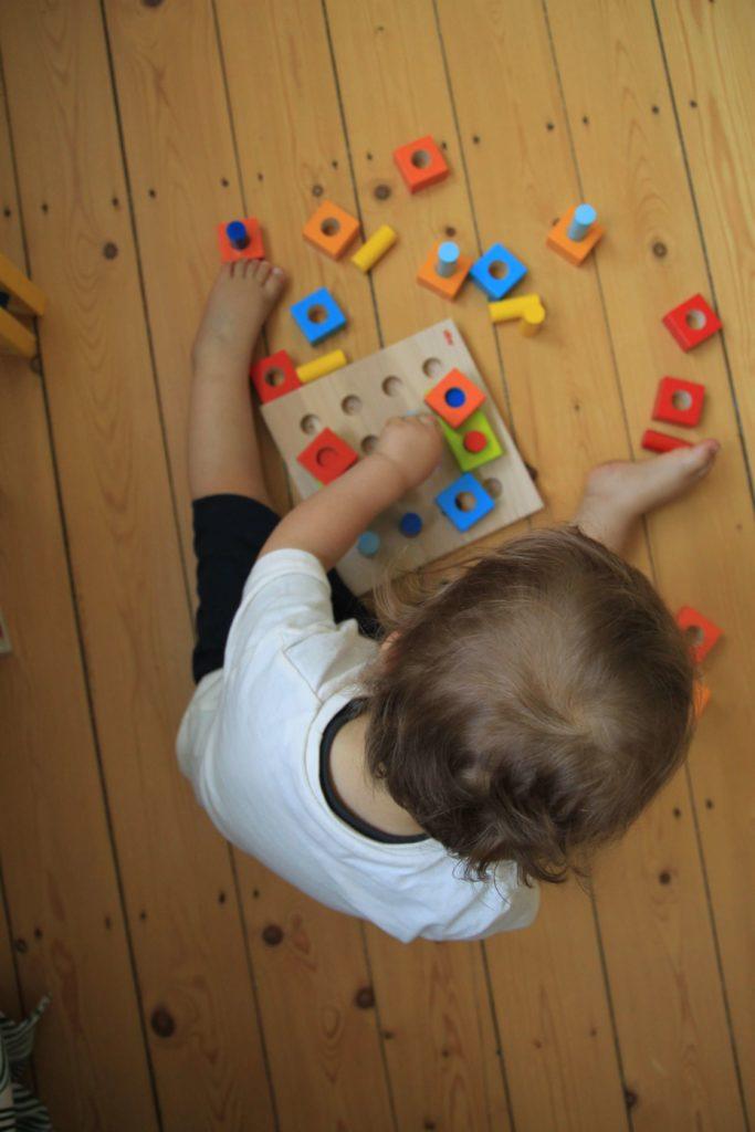 kinderspielzeug von haba steckspiel farbenspaß haba