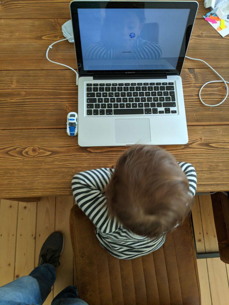 hugo-laptop